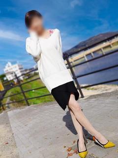 吉田 奈美【可愛いと綺麗の融合】