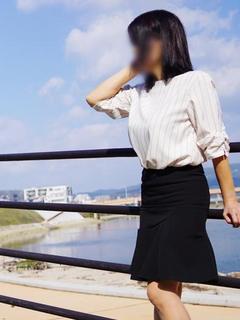鈴木 ひろか【上品なシットリ妻】