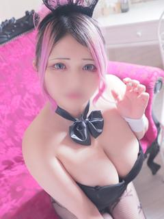 しほ【Fカップのミニマム巨乳】