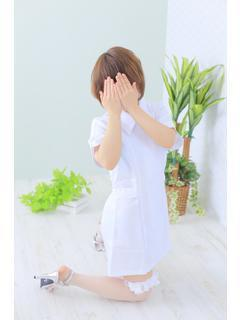 愛川ひなの