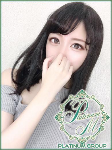 つきな【色白Fカップ美少女】