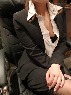 メル 秘書