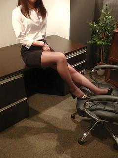アユ 秘書