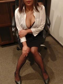 くらら 秘書