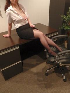 ころん 秘書